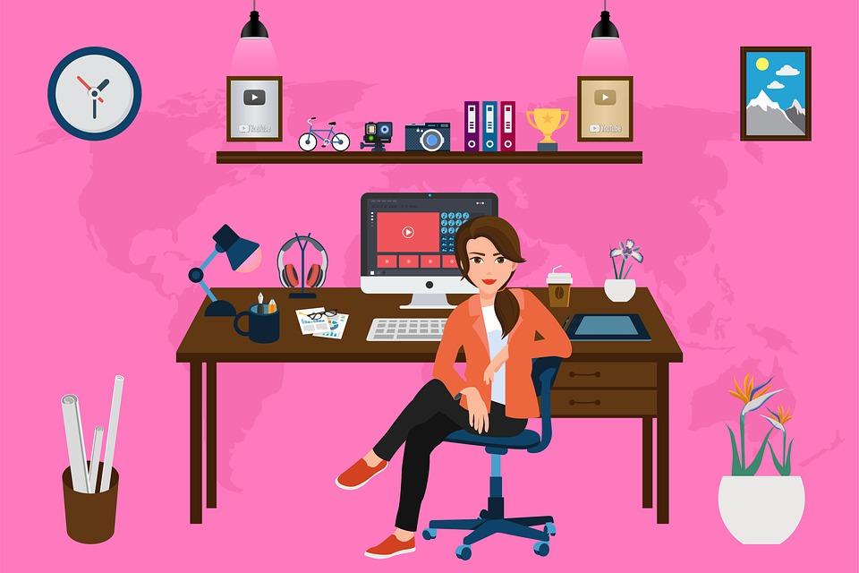 Dame på kontor